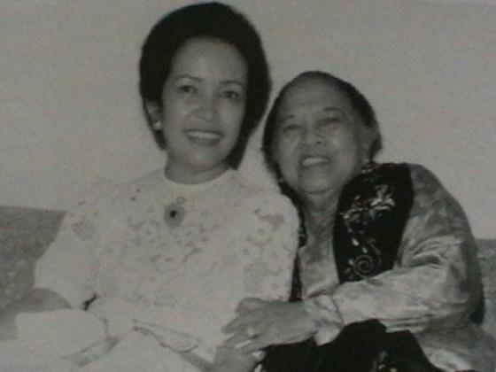 Ainun & Ibu Habibie